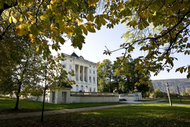 Schloss Monaise und Garten
