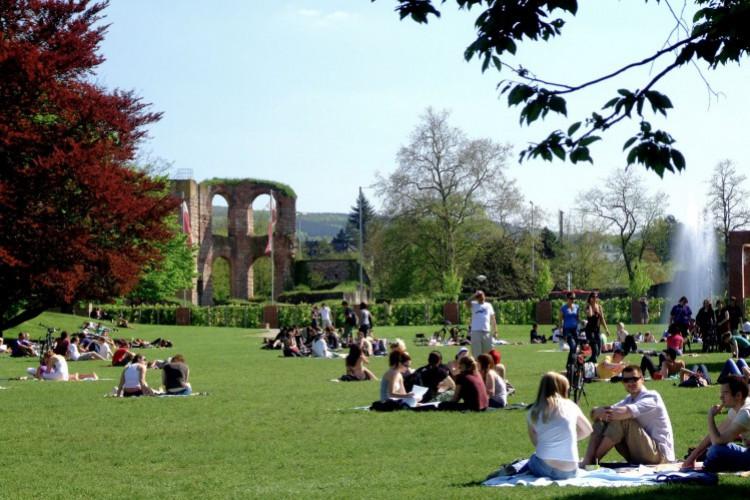 Palastgarten mit Blick auf die Kaiserthermen