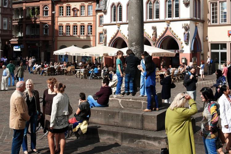 Stadtrundgang vor dem Marktkreuz (© Yaph)