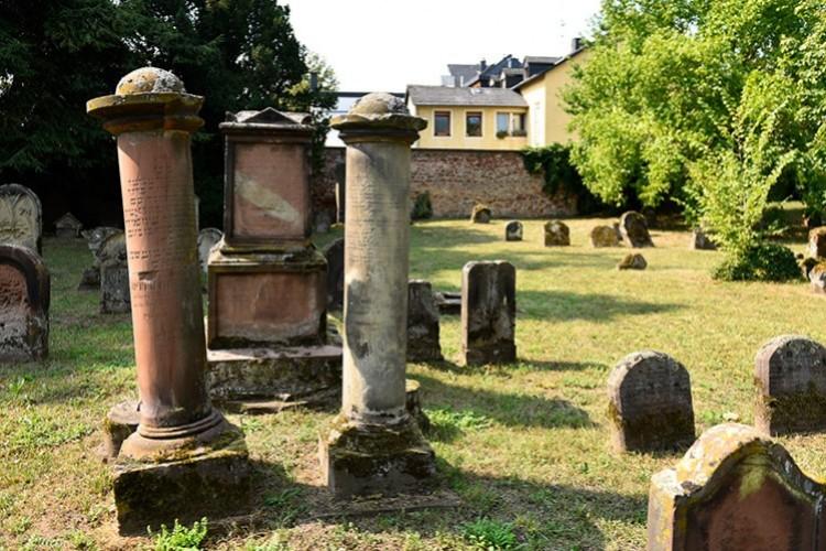 Jüdischer Friedhof Gräber