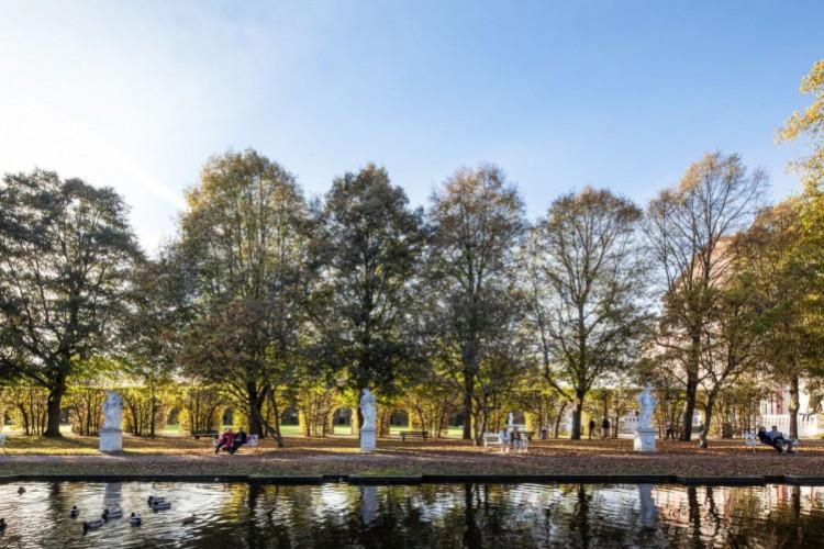 Herbstliche Stimmung im Palastgarten