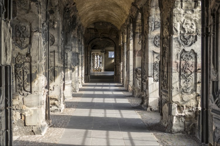 Lichtspiel in der Porta Nigra (© Andy May)