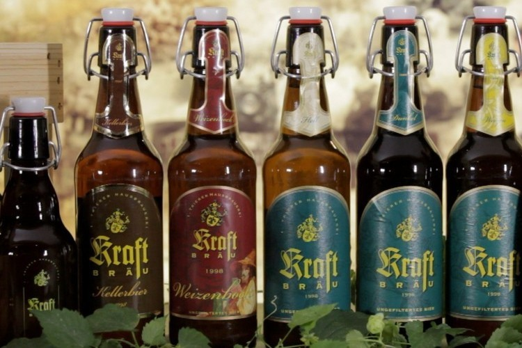 Kraft Bräu Flaschen (© Blesius Garten)