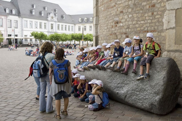 Children in front of the Cathedral