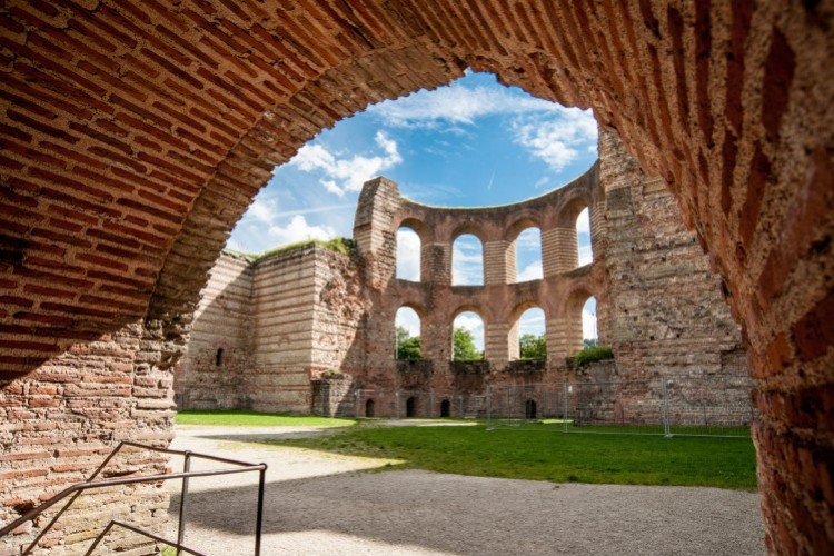 The Romans as Master Builders and Craftsmen - © Dr. Klaus Kuhnen