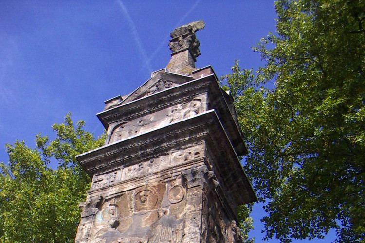 The Igel Column