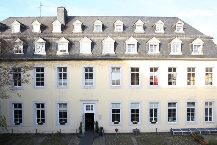 Exterior View (© Warsberger Hof)