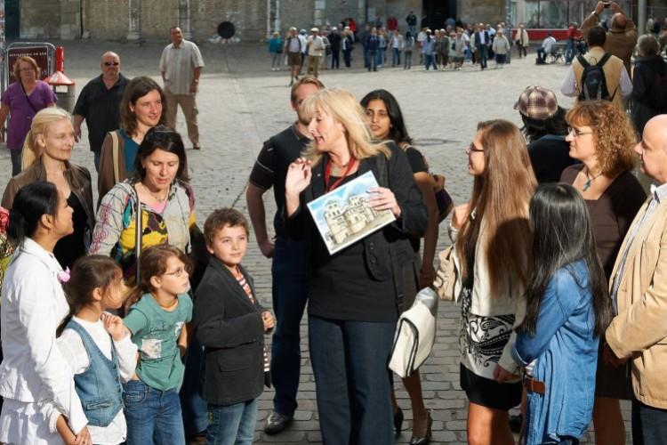 """Visite de la ville """"2000 étapes - 2000 ans"""" - © Yaph"""