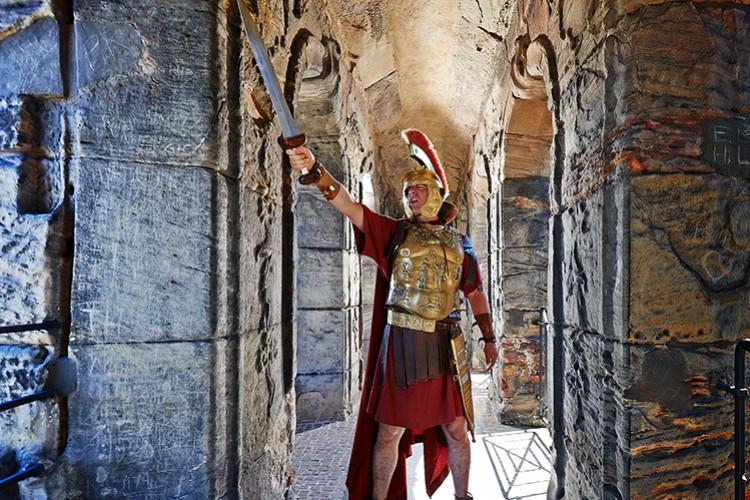 Zenturio in der Porta Nigra - © Yaph