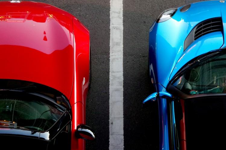 Parkende Autos - © FranckinJapan/pixabay.com
