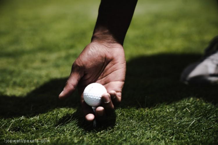 Golf - © jopwell/pexels.com