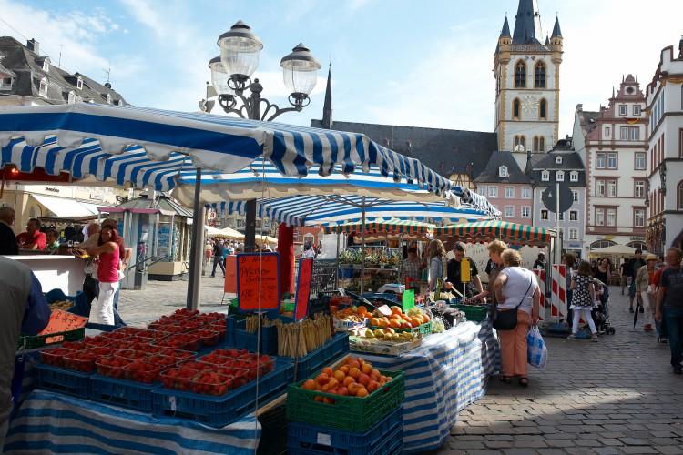Ständiger Markt & Wochenmarkt