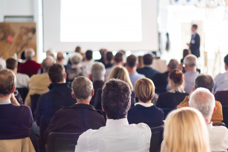 Konferenzraum - © Matej Kastelic/shutterstock.com