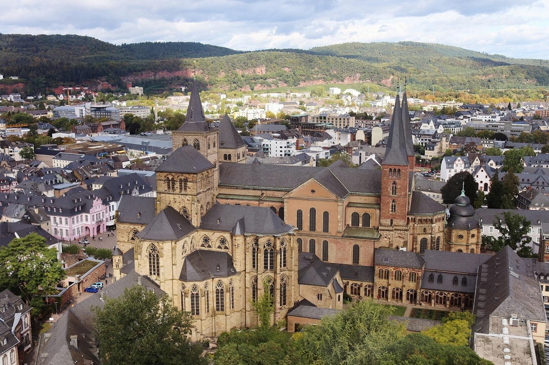 Trierer Dom - Perspektive vom City Skyliner