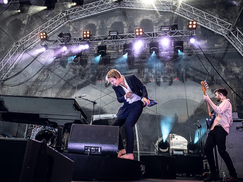 tl_files/images/portahochdrei/porta-hoch-drei-2019-text-bild03-tom-odell.jpg